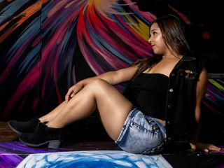 I'm 24, My Name Is KurlyRose, A Webcam Horny Lady Is What I Am
