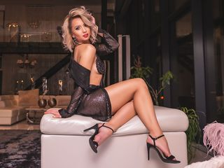 At LiveJasmin People Call Me MarryAnnRose And I'm 30, I'm A Camwhoring Easy Sweet Thing