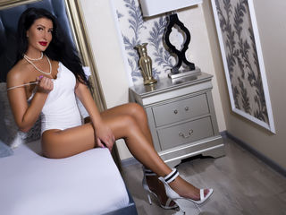 My Age Is 26 Yrs Old! A Live Chat Good-looking Babe Is What I Am And My Name Is YvonneRiley