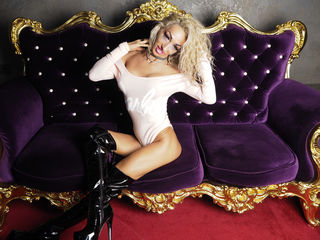 A Camming Dreamy Female Is What I Am And My Age Is 38 Years Old! I Am Named BimboBarbie
