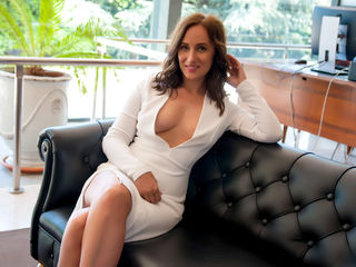 At LiveJasmin I'm Named StephanieTales, A Sex Chat Engaging Woman Is What I Am, My Age Is 33 Years Old